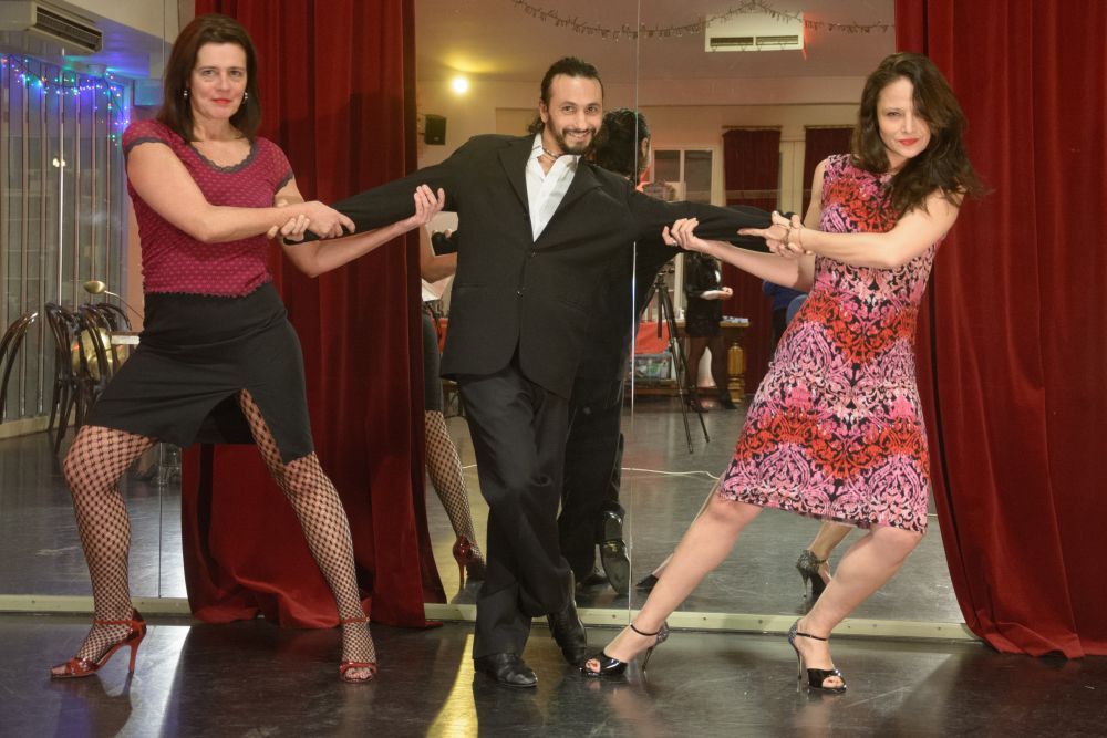 New courses at Academia de Tango with Pilar or Jolie